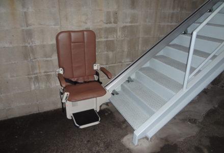 階段昇降機 大阪府 施工事例93「昇助くんSEO9-L」