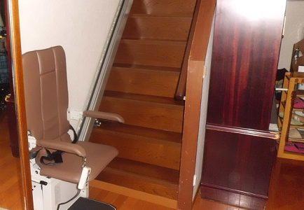 階段昇降機 施工事例69「昇助くんSEC9K」