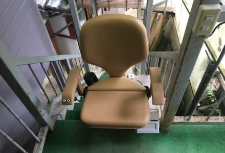 階段昇降機 レンタル 滋賀県 施工事例163 「楽ちん号KSB」