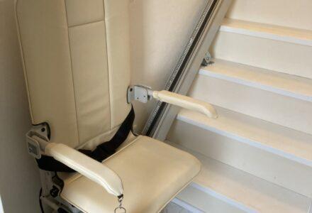 階段昇降機 販売 静岡県 施工事例182「昇助くんSEC9」